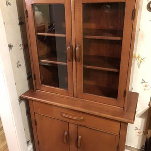 Antique Maple China Cabinet for Sale in Clifton Heights, PA