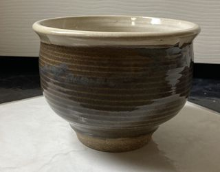 Small Glazed Pottery Bowl Or Plant Pot for Sale in Houston,  TX