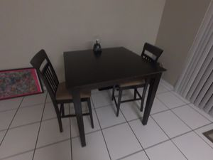 Kitchen table with 2 chairs for Sale in Miami, FL