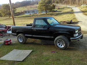 98 Chevy 4+4 5 speed for Sale in Greeneville, TN