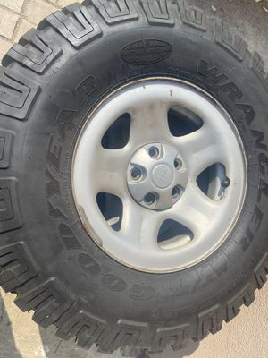 Jeep Tires/wheels 245/75R17 Bridgestone for Sale in Montclair, CA