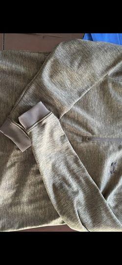 Under armour Sweatshirt for Sale in Falls Church,  VA