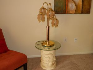 Unique Vintage Tulip Lamp for Sale in St. Peters, MO