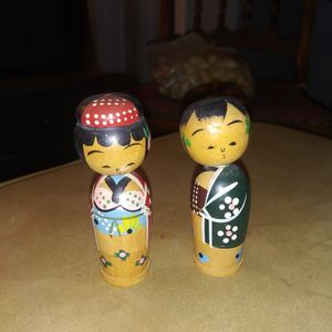 VINTAGE JAPANESE KOKESHI NESTING DOLLS FAMILY OF 3! for Sale in Cleveland, OH