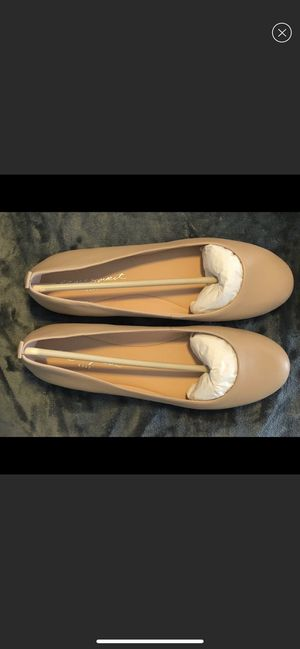 New Easy Spirit Nude Flats 9.5 (9 1/2) for Sale in St. Louis, MO