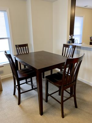 Kitchen Table Set - High top for Sale in Stamford, CT