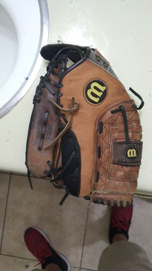 Softball glove for Sale in Orlando, FL