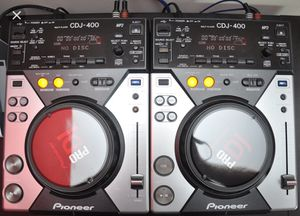 2 CDjs Pioneer 400 / 1 Mixer Pioneer DJM 800 / 1 Pioneer Case for Sale in San Francisco, CA