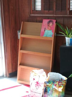 Magazine/book rack for Sale in Brooklyn, OH