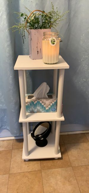 Table with 3 shelves for Sale in US