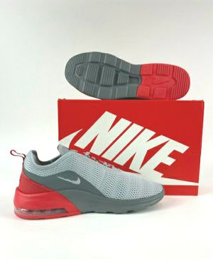 NIKE Air Max Motion 2 Men Size 10.5 Grey/ Red for Sale in Lutz, FL