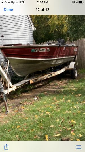 17 foot Lund fishing boat for Sale in Lombard, IL