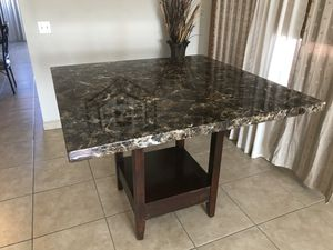 Kitchen table for Sale in Victorville, CA