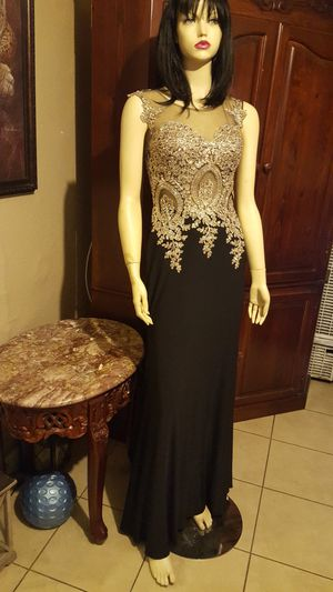 Prom dress size small BLACK for Sale in Ontario, CA
