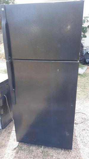 Refrigerator, GE for Sale in Mesa, AZ