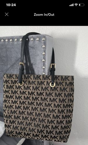 100% Authentic Michael Kors Tote Bag for Sale in North Las Vegas, NV