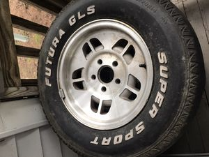 Set of 4 94'-95' Ford Explorer wheels with center caps for Sale in Mechanicsville, VA