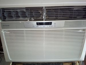 A.C. 25,000 BTUS HEAT AND COOL for Sale in St. Petersburg, FL