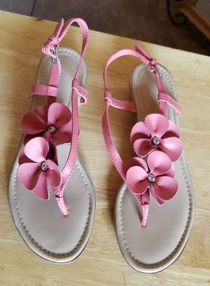 ST JOHNS BAY Pink Women's Sandals. for Sale in Stockton, CA