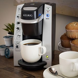 Keurig coffee maker. Excellent condition. for Sale in Collinsville, IL