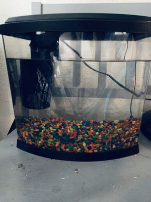 5 gal fish tank for Sale in Palm City, FL