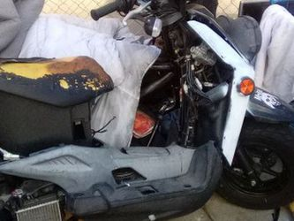 Yamaha Moped 50cc , Another One For What Ever Parts You May Need for Sale in Los Angeles,  CA