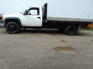 2000 gmc c3500 HD flatbed stake not dump for Sale in Chicago, IL