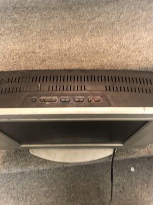 13in Sylvania HDTV with DVD player attached for Sale in Detroit, MI
