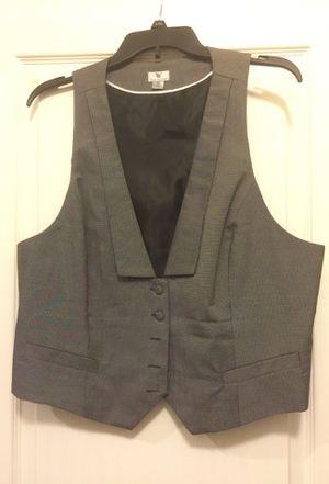 XL woman's Vest for Sale in Lorton, VA