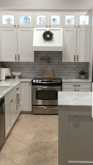 High quality wood kitchen cabinets for Sale in Fort Myers, FL