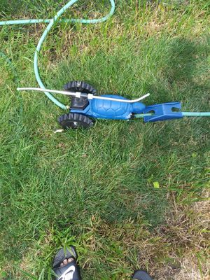 Turtle 2 speed or stationary hose following sprinkler for Sale in Parma, OH