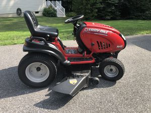 """Troy Bilt Horse V Twin 46"""" Riding Mower with Delivery for Sale in White Marsh, MD"""