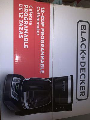 Black and decker 12 cup coffee maker for Sale in Miami, FL