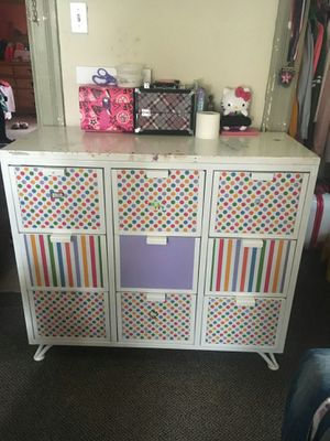 Kids (girls) metal bedroom set. Queen size loft, lower twin bed, and 2 dresser's. Mattress' included. for Sale in Pittsburgh, PA