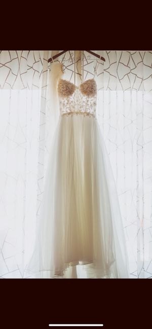 Justin Alexander Gently Used Ivory Wedding dress Size 10 for Sale in Boise, ID