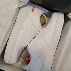 Nike Supreme Airforce 1 Size 9.5 for Sale in College Park, MD