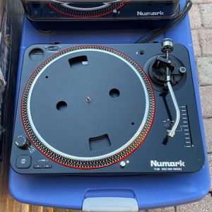 Numark Turn Tables TT-100 Direct Drive Turntable for Sale in Hollywood, FL