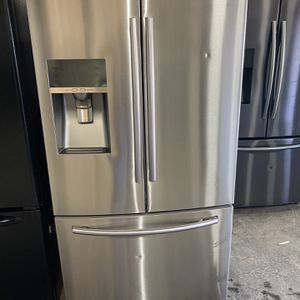 Stainless Samsung French door water and ice can deliver for Sale in West Sacramento, CA