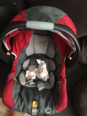 Infant car seat with base for Sale in Buffalo, NY