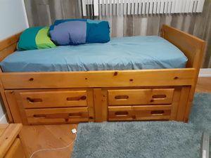 Bedroom set for Sale in Bensenville, IL
