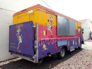 Must sell now. Smoothies, and Sweet and Savory Crepes Food truck for sale. for Sale in Philadelphia, PA