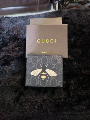 Gucci Supreme Bee Wallet for Sale in Las Cruces, NM