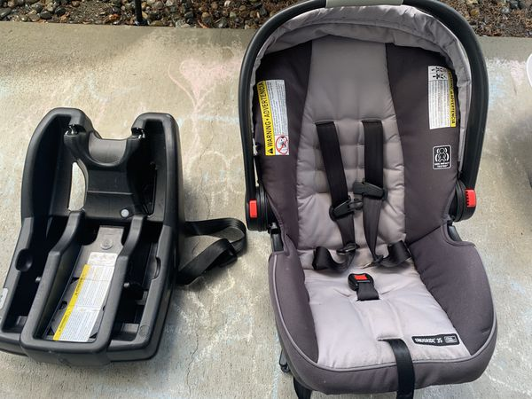 Graco car seat and car seat bases