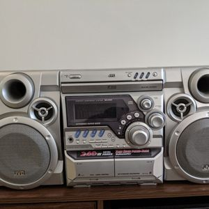 240WATT JVC STERO - GREAT FOR GAMING for Sale in New York, NY