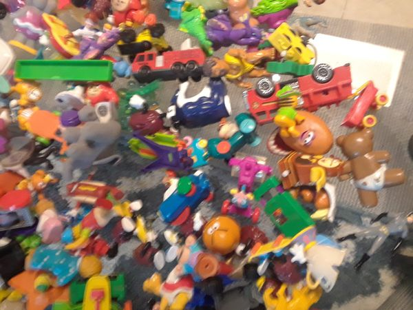 COLLECTION of mini figures 1980s + 90s Simpsons, Super Mario Bros,Cali Raisins ect