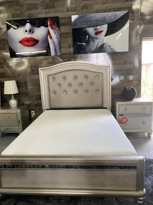 Bedroom set 4pc for Sale in Hialeah, FL