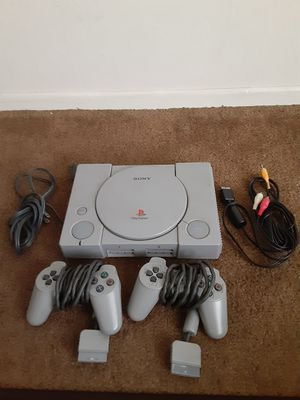 DOESN'T WORK, TURNS ON, DOESN'T READ DISC, SELLING AS IS for Sale in San Diego, CA