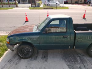 98 ford ranger v6 4.0 for parts or repair. for Sale in Miami, FL