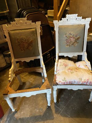 Cute antique chairs. for Sale in Fresno, CA