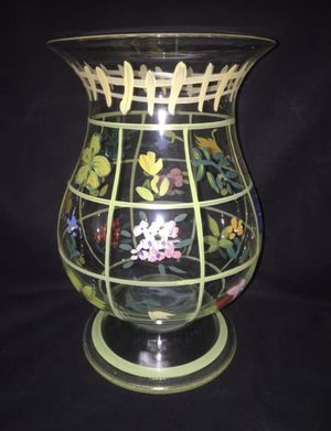 Hand painted floral / flower design clear glass footed vase for Sale in El Mirage, AZ